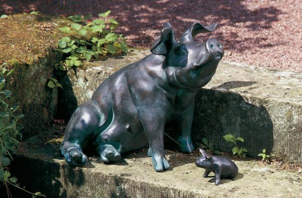 Schwein mit Ferkel Kupfer Skulptur