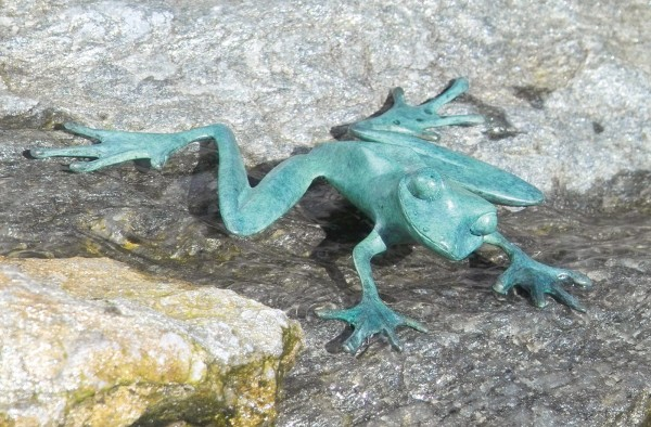 Frosch new style Bronze Skulptur