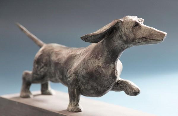 Skulptur Dackel Bronze