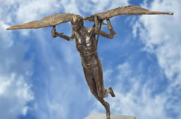 Ikarus der Sprung Bronze Skulptur R. Zweypfenning