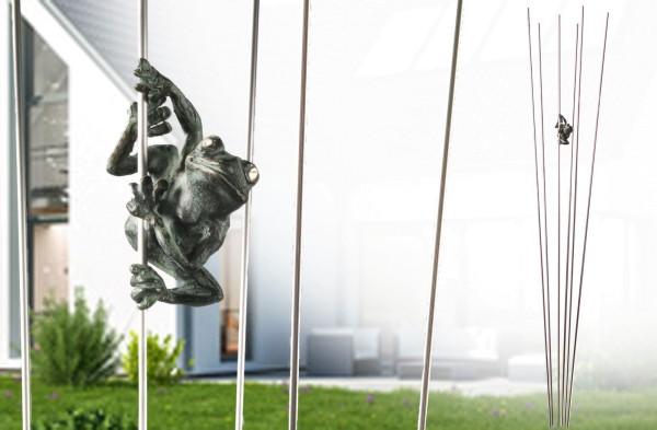 Frosch im Gras Bronze-Garten-Skulptur