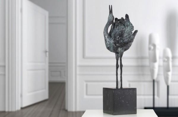 Balzender Kranich Bronze Skulptur