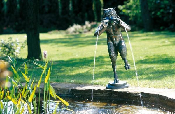 Floetespielender Pan Bronze Skulptur