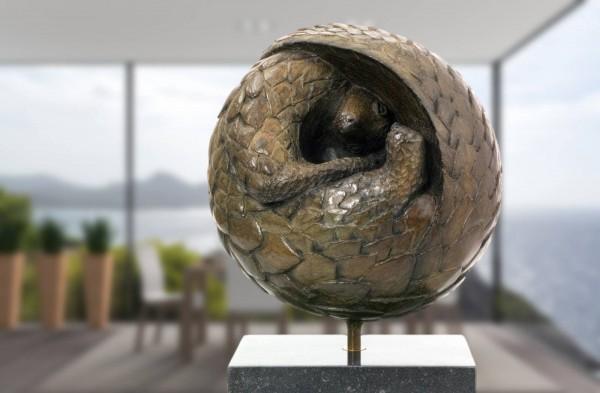 Schuppentier Pengolin Bronze Skulptur