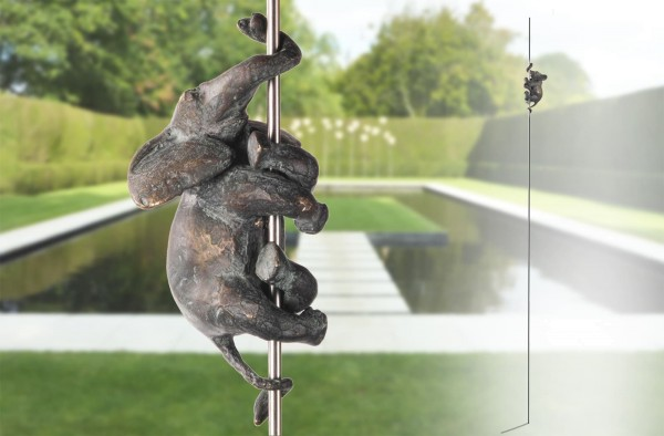 Elefanten-Skulptur-an-Edelstahl