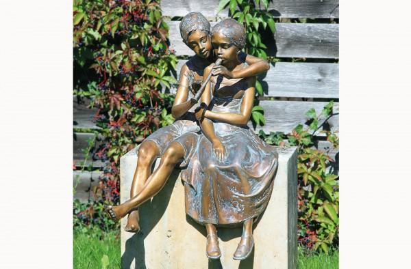 Paar mit Floete Bronze Skulptur