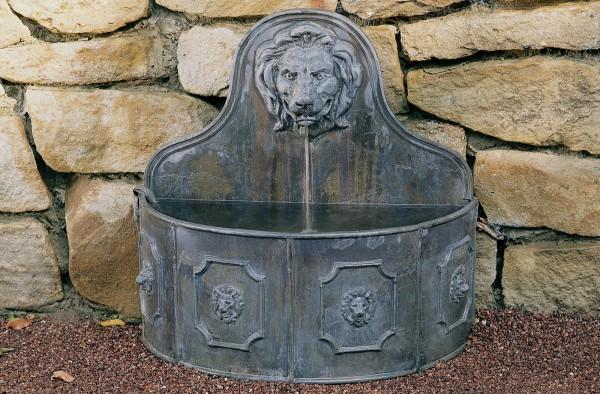 Wandbrunnen Englischer Bleiguss