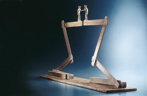 Millenium Bronze Skulptur von Michel Favre