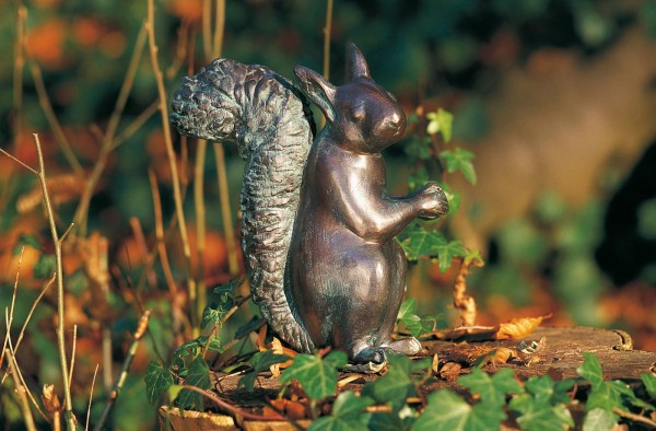 Eichhoernchen Kupfer Skulptur