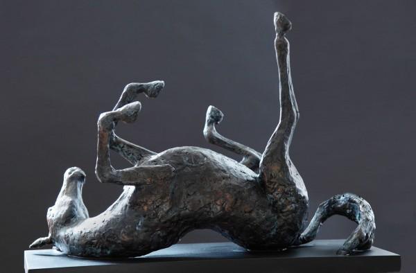 Skulptur das rollende Pferd Bronze