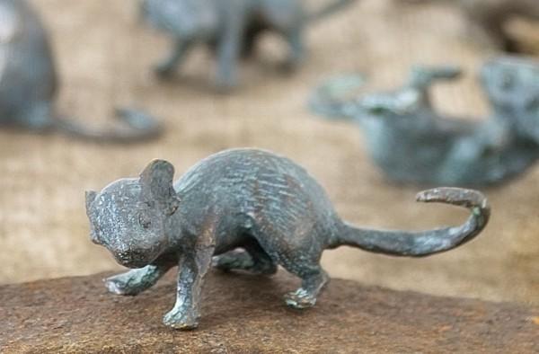 Laufende Maus Bronze Skulptur