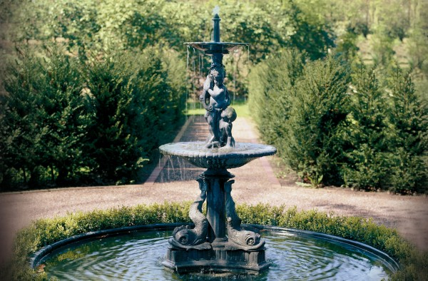 Delphin Brunnen Skulptur Englischer Bleiguss