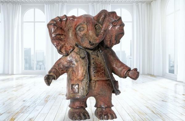 Der Elefant Oli, Bronze-Skulptur von Anouk de Groot.