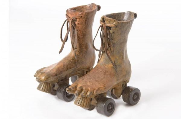 Rollin feet Bronze Skulptur Anouk de Groot