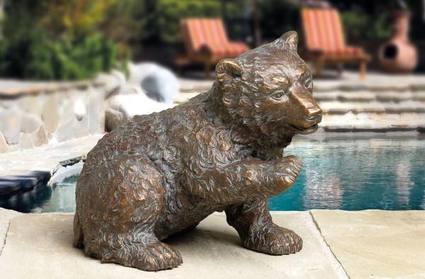 Kleiner neugieriger Baer Bronze Skulptur